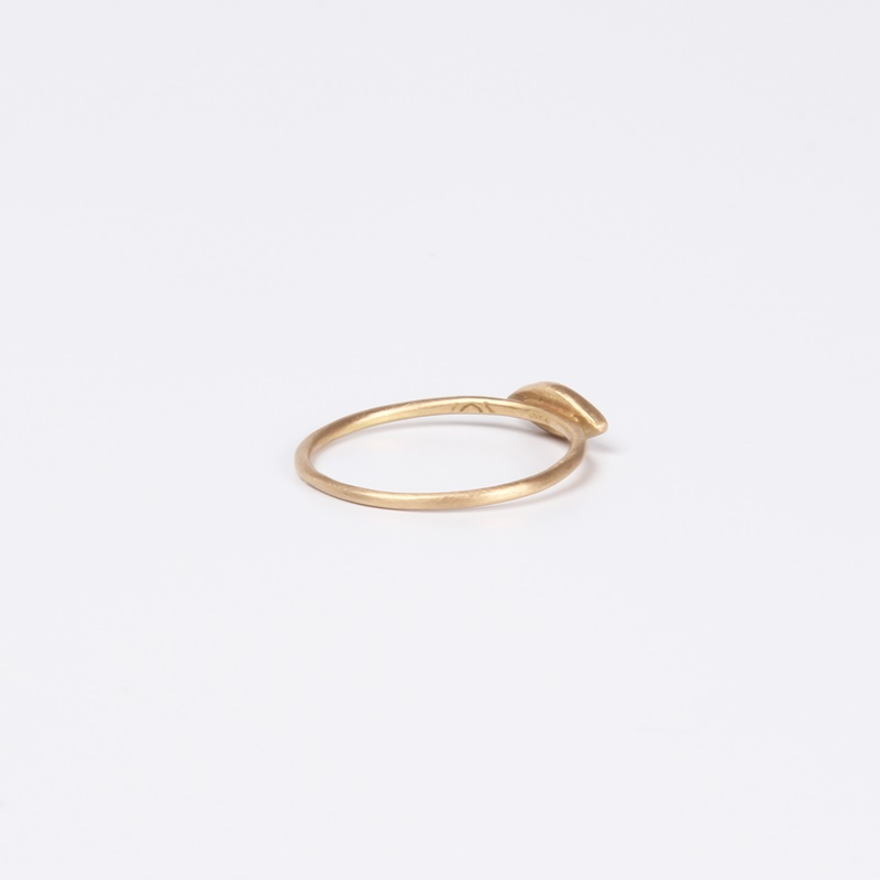 Thin Marquee element ring with three Black Diamonds