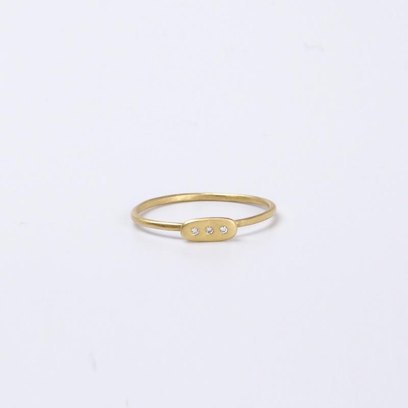 Thin Rectangular element ring with three Diamonds