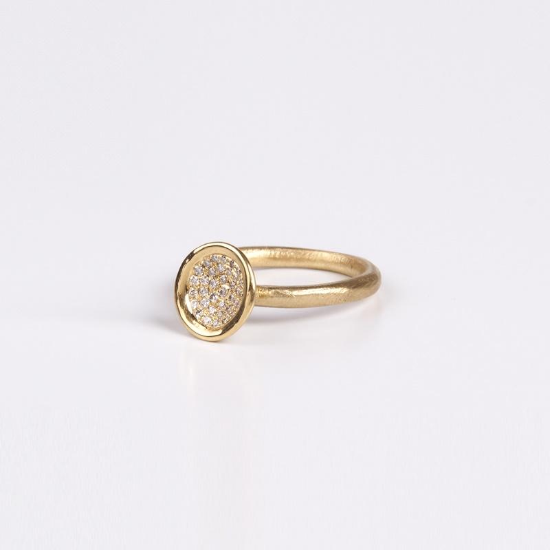 טבעת קערה גדולה משובצת יהלומים