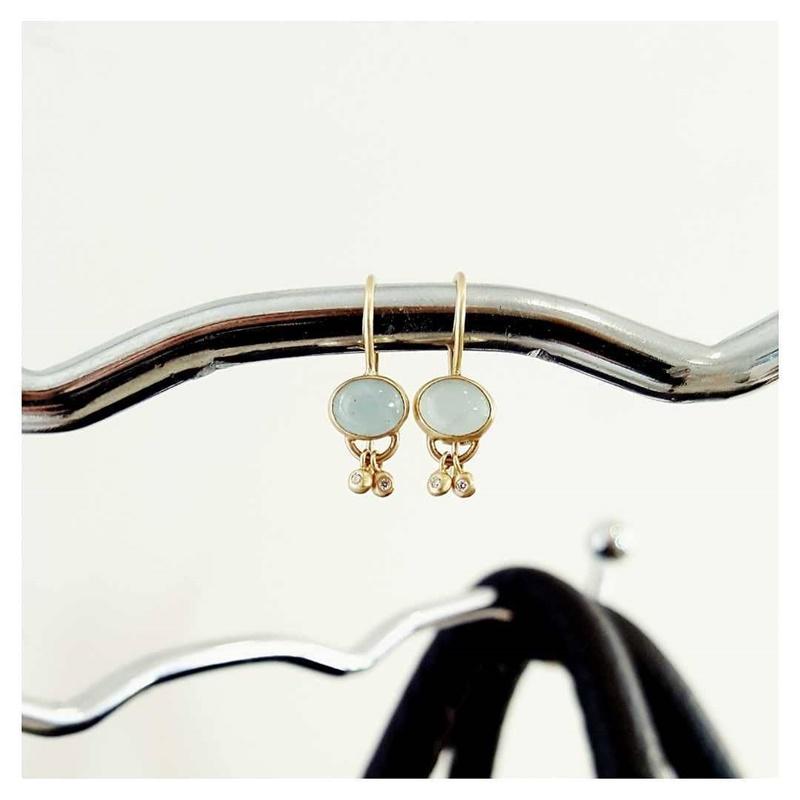 Aqua Marin earrings with dangly Diamonds