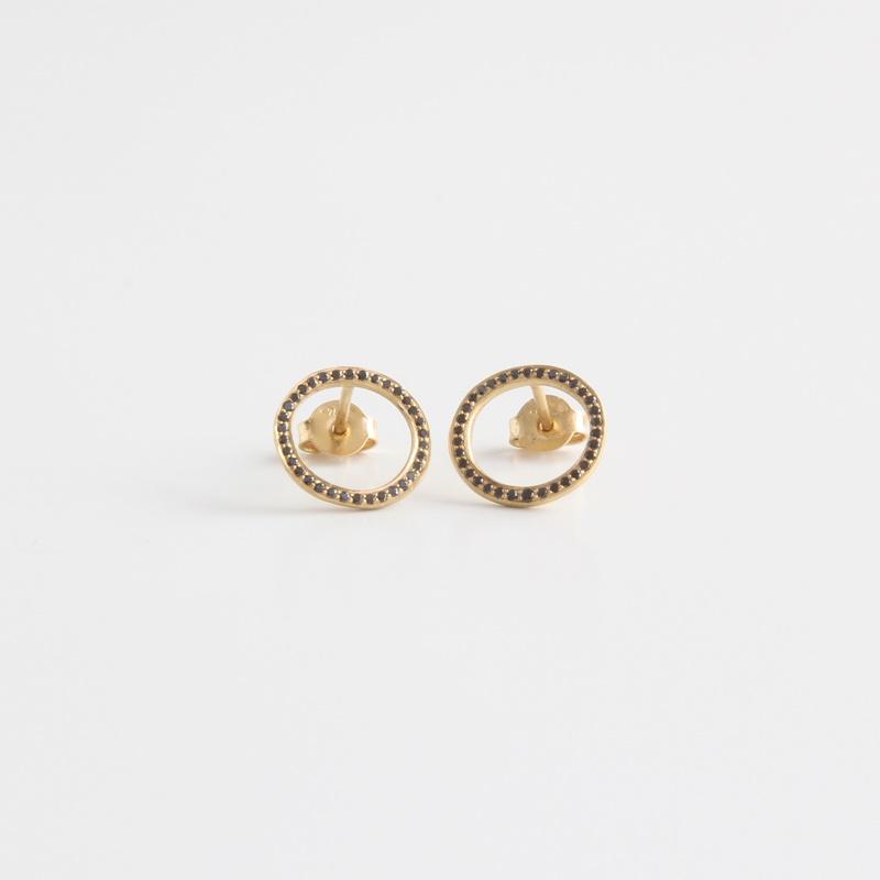 Halo shaped stud earrings set with Black Diamonds